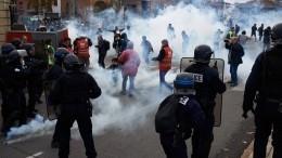 Более 130 человек ранены и720 помещены под стражу входе беспорядков воФранции