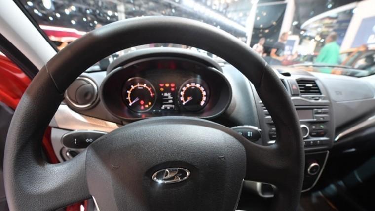Блогер случайно показал, как будет выглядеть салон новой Lada Vesta