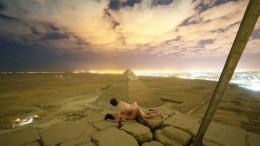 Страстная парочка рискует оказаться зарешеткой из-за секса навершине пирамиды