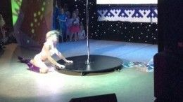 Эротический танец случайно попал впрограмму детского конкурса наЯмале