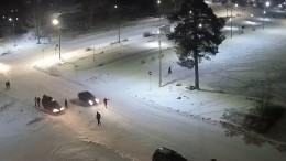 Карельского мэра сбил автомобиль уздания городской администрации— видео