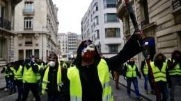 ВоФранции входе протестов «желтых жилетов» ранена корреспондент RT