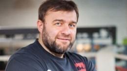 Пореченков назвал бойца Конора Макгрегора «петухом»