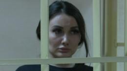Суд признал виновной «кусачую» модель Киру Майер