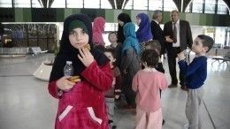 Омбудсмен Анна Кузнецова сопровождает 30 российских детей изИрака вРоссию