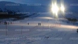 Попавшего под лавину жителя Петербурга ищут спасатели вМурманской области