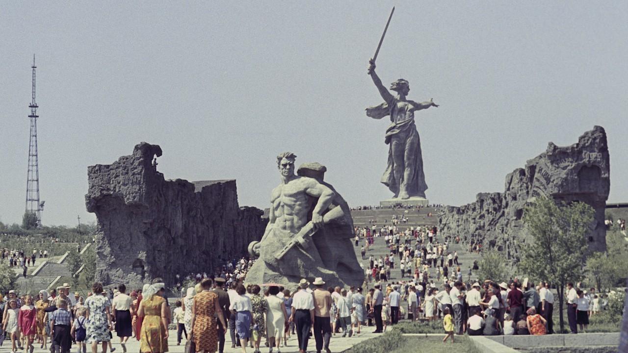 2февраля— День разгрома фашистских войск вСталинградской битве