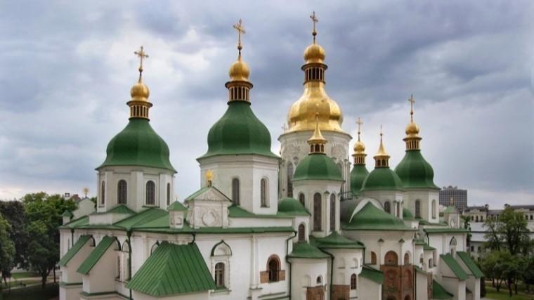 Украинские раскольники захватили храм УПЦ назападе страны