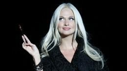 Звезды шоу-бизнеса ополчились набеременную Лопыреву засвязь сженатым мужчиной