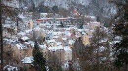 Целебная вода, горный воздух ипрогулки— как лечат россиян вКарловых Варах