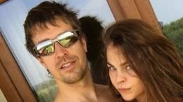 Настю Рыбку иАлекса Лесли задержали поприбытии вМоскву изТаиланда