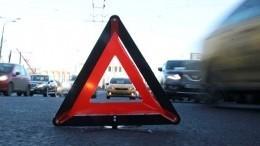 Видео: Более 20 машин столкнулись назаснеженной дороге вГрузии