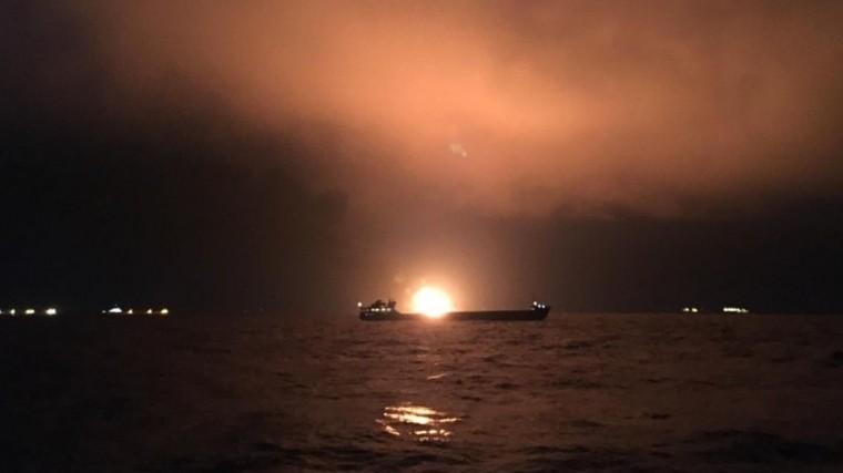 Названа предварительная причина пожара натанкерах вКерченском проливе