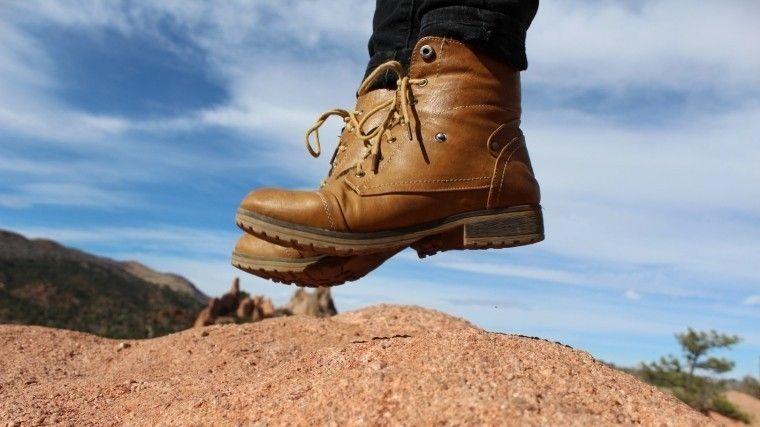 Как быстро разносить тесную обувь— простой ипроверенный лайфхак