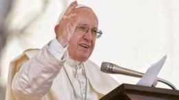 Папа Римский, назвавший секс «божьим даром», предложил обучать ему вшколах