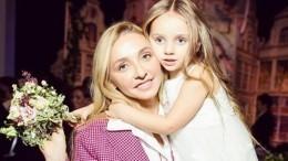 Дочь Навки иПескова думает, что ееродители работают наелках