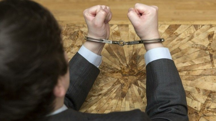 Суд арестовал вице-губернатора Ленобласти, подозреваемого вмошенничестве