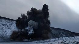 Военные провели девятый подрыв затора наБурейском водохранилище— видео