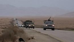 Гуманитарный конвой России иООН прибыл всирийский лагерь беженцев «Рукбан»
