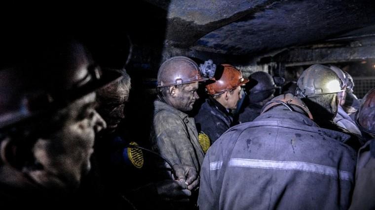 Горняк погиб из-за выброса газа вшахте вКузбассе
