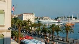 Видео: Игрок «Црвены Звезды» спасся отяростных хорватских фанатов вморе