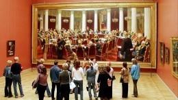 Видео: Картины Репина будут дополнительно охранять навыставке вМоскве