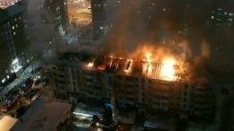 Видео: Один человек погиб при пожаре вжилой пятиэтажке вНижневартовске