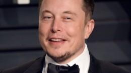«Офигенно»: Илон Маск по-русски отреагировал навидео с«перевернутыми Жигулями»