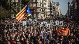 Видео: Барселону охватили масштабные беспорядки