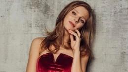 «Джейми Лиза Кертис»— Арзамасова сразила поклонников снимком вкупальнике