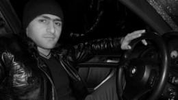 Водитель, протаранивший людей вцентре Петербурга, управлял авто без прав