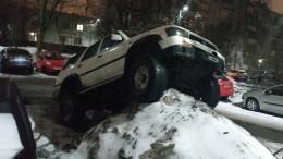 «Воет налуну»: Новый способ парковки авто— лайфхак изПетербурга