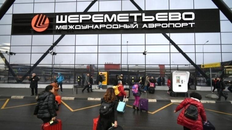 Первое фото сместа авиапроисшествия ваэропорту Шереметьево