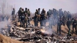 Видео: Летчика сбитого самолета ВВС Индии допросили вПакистане