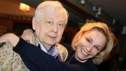 «Очень чувственно»: Вдова Табакова рассказала, как начинался еероман сартистом
