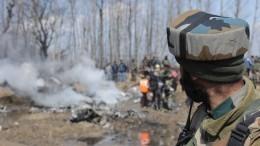 Награнице Индии иПакистана начались перестрелки— видео