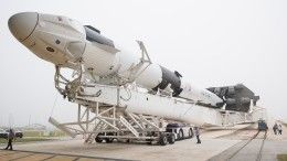 Видео: Как выглядит изнутри космический корабль Crew Dragon отSpaceX