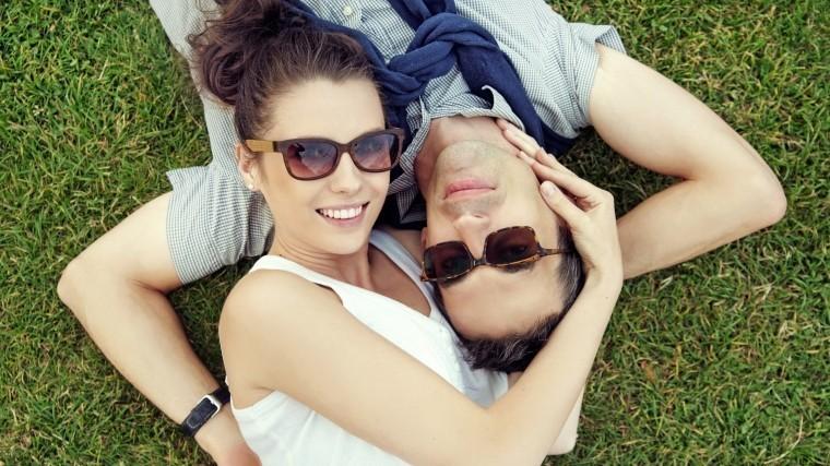 Генетики установили связь между генами исчастливым браком
