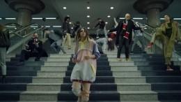 Всети набирает популярность ремейк легендарного клипа Freestyler группы Bomfunk MC's