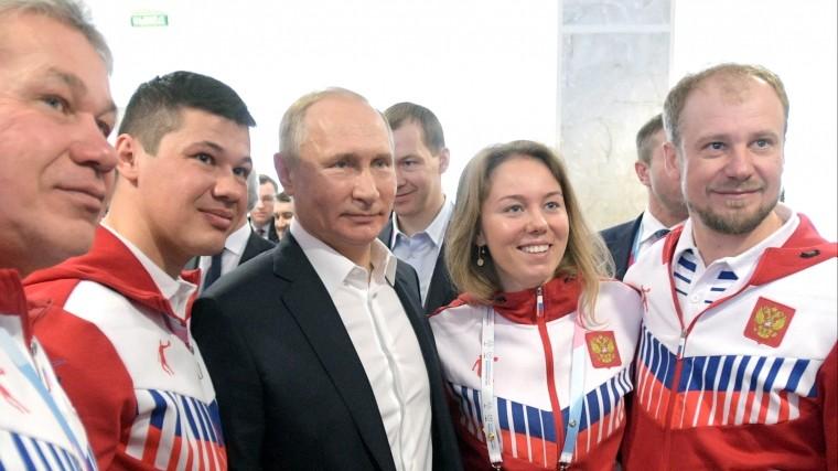 Путин: Чем сложнее международная обстановка, тем больше спорта будет вРоссии