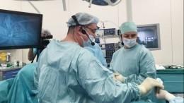 Современная онкохирургия: российские врачи удалили опухоль желудка через проколы