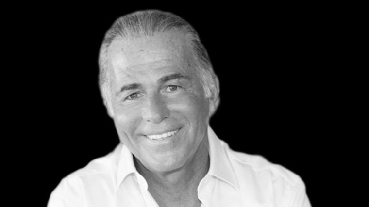 Решивший увеличить пенис 65-летний «алмазный» миллиардер умер настоле хирурга