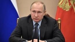 Владимир Путин выразил соболезнования семье Владимира Этуша
