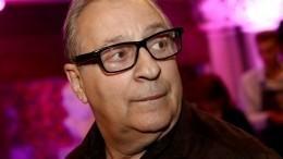 Хазанов отреагировал наотстранение пьяного актера изМХАТ