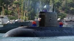 Видео: Подводная лодка «Краснодар» царственно прошла через пролив Босфор