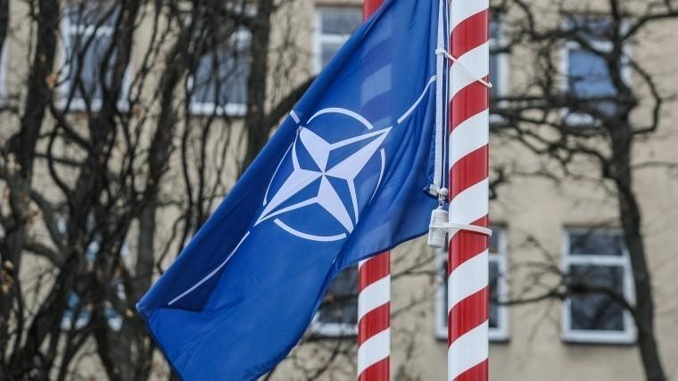 НАТО «креативит» вгодовщину воссоединения Крыма сРоссией