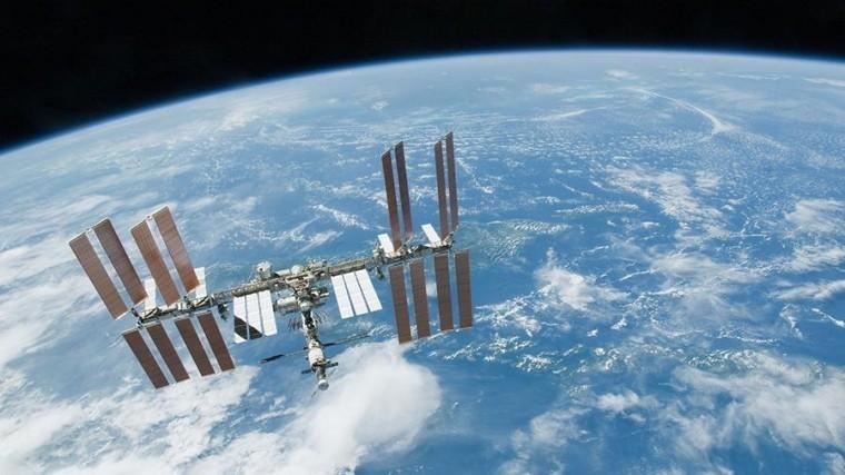 МКС снова изменила высоту орбиты