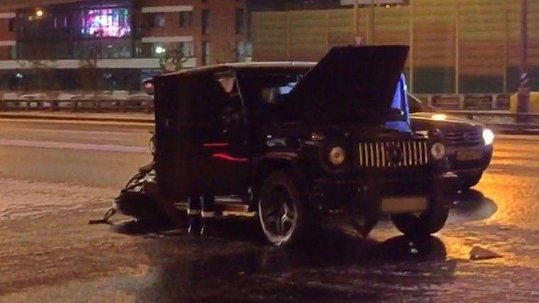Стала известна личность сбежавшего сместа ДТП водителя G-Wagen вМоскве