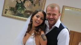 «Неосталось даже подарков»— Беркова впервые назвала причину развода сактером Стояновым