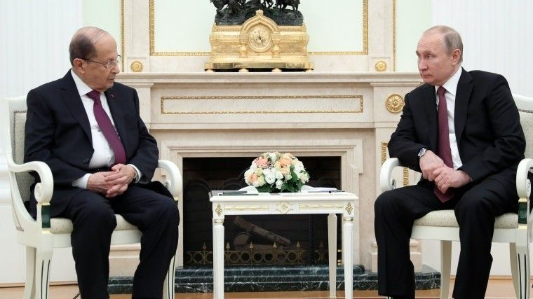 Владимир Путин провел вМоскве встречу спрезидентом Ливана